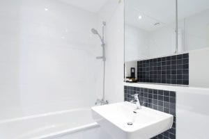 Hemel Hempstead Apartment Bathroom