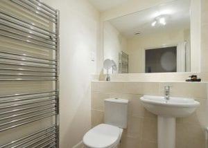 Hemel Apartment 15 Bathroom