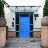 Handleys Court Entrance of 2 Bed Apartment to Rent in Hemel Hempstead