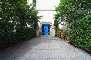 Handleys Court entrance of luxury 2 bed apartment to rent in Hemel Hempstead