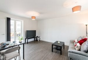 Flat 1 Oval View